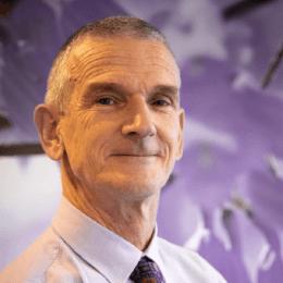 Dr Peter Landsberg
